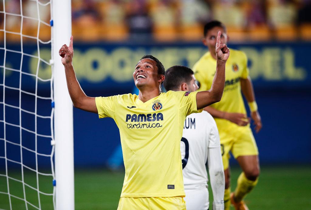 Carlos Bacca anotó doblete en la Europa League y pasó la línea de los 150 goles europeos